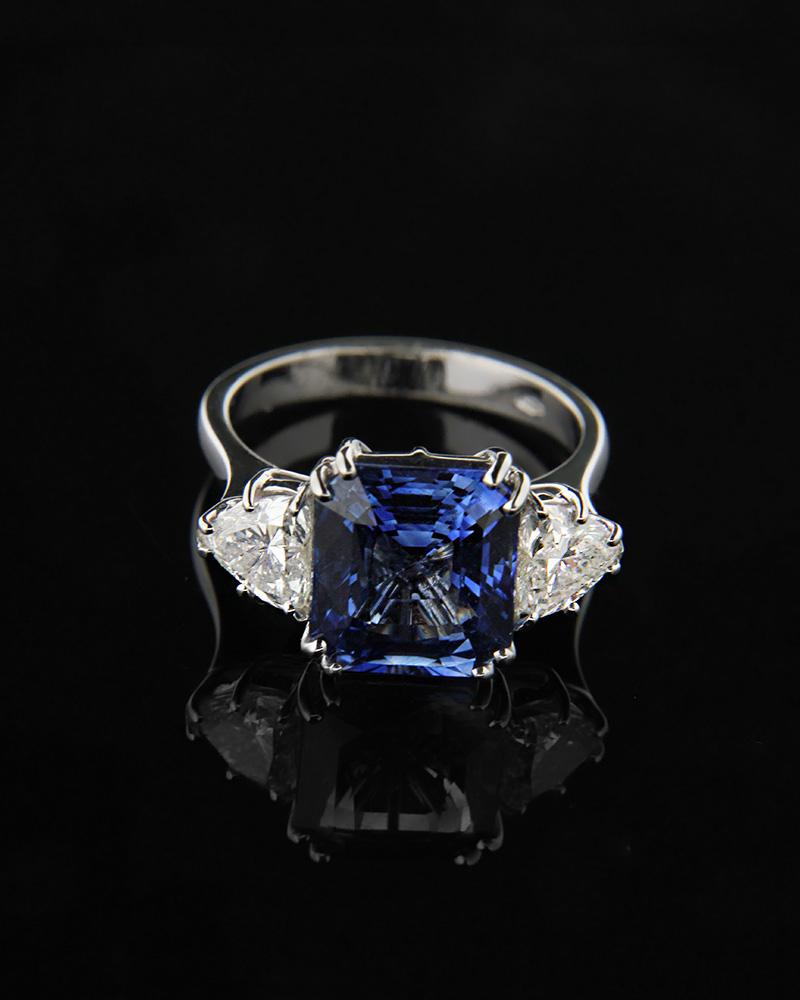 Δαχτυλίδι μονόπετρο λευκόχρυσο Κ18 με Διαμάντια και Ζαφείρι