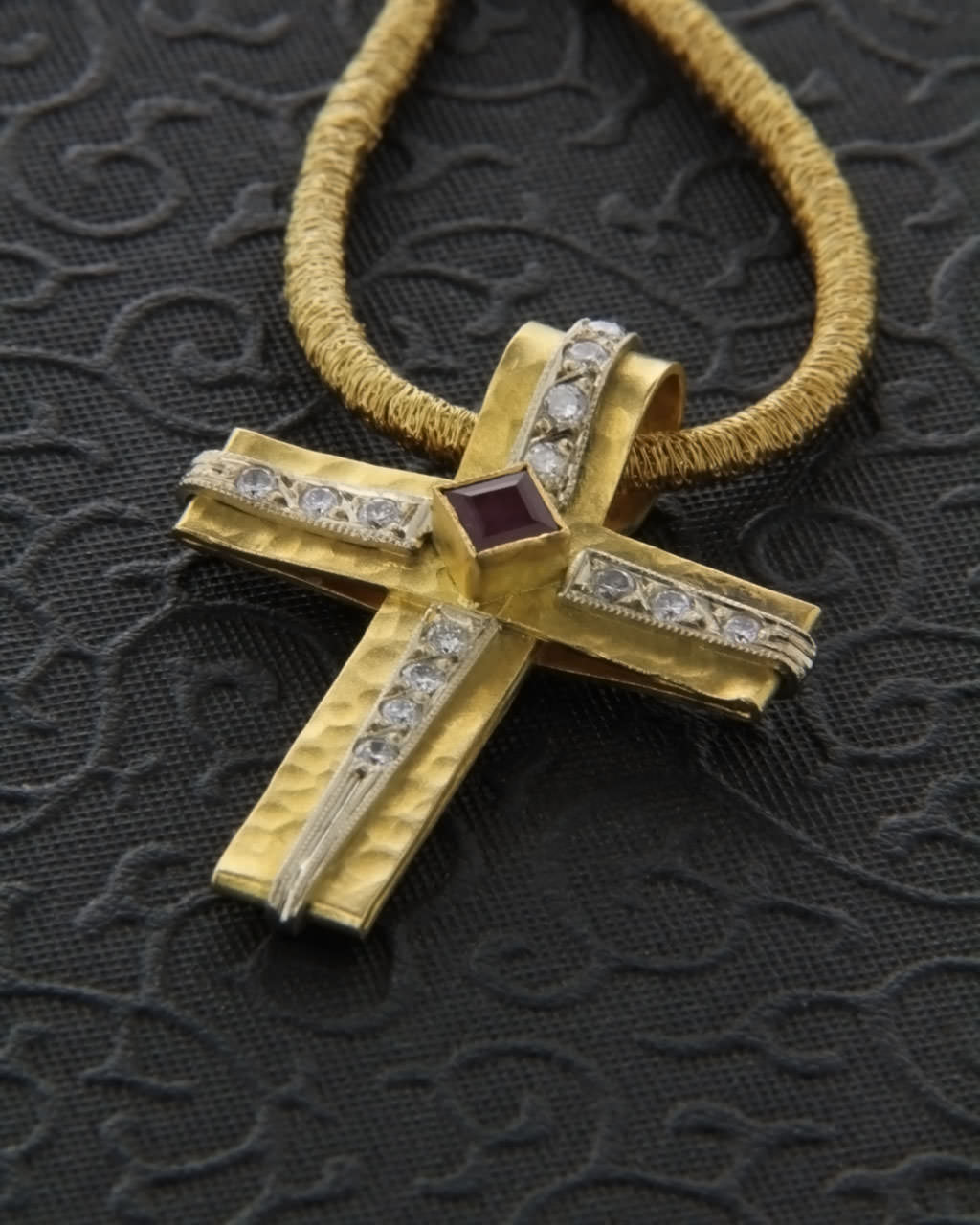 Βυζαντινός σταυρός χρυσός Κ22 με Διαμάντια & Ρουμπίνι   κοσμηματα σταυροί σταυροί με διαμάντια