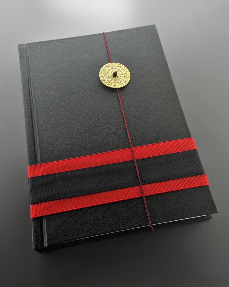 Εικόνα του προϊόντος Μαύρο ανθρακί Ημερολόγιο - Σημειωματάριο με γούρι 2019