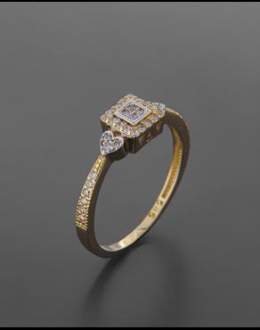 Δαχτυλίδι χρυσό Κ14 με λευκόχρυσες καρδιές   πλαίσιο με Ζιργκόν 5ec5ba2645e