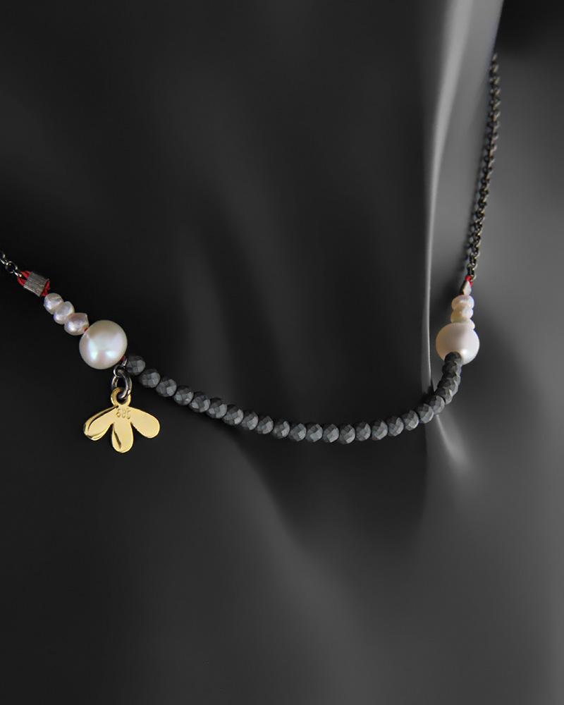 Κολιέ χρυσό Κ14 με αιματίτη και πέρλες σε ασημένια αλυσίδα   κοσμηματα κρεμαστά κολιέ κρεμαστά κολιέ fashion